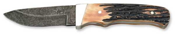 High-Caliber Highlight Damascus Knives