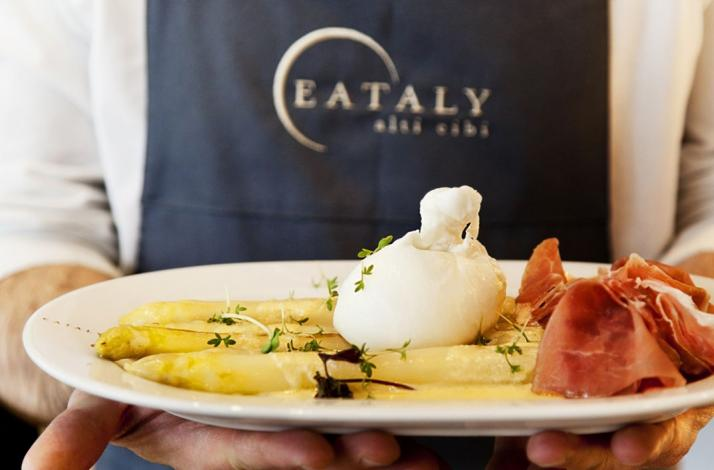 Cook with the pros at Eataly and save 10%: In München, Germany