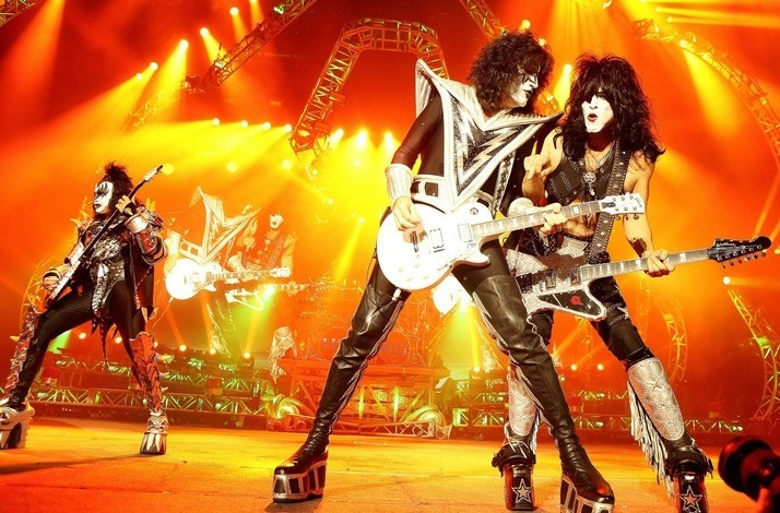 KISS - Ultimate KISS Goodbye Tour Pack with 2 VIP Tickets
