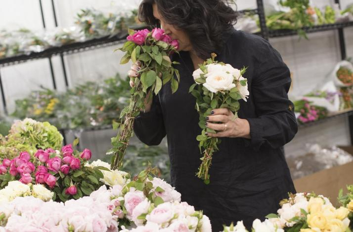 Go Behind The Scenes Of The San Francisco Flower Market With A Local