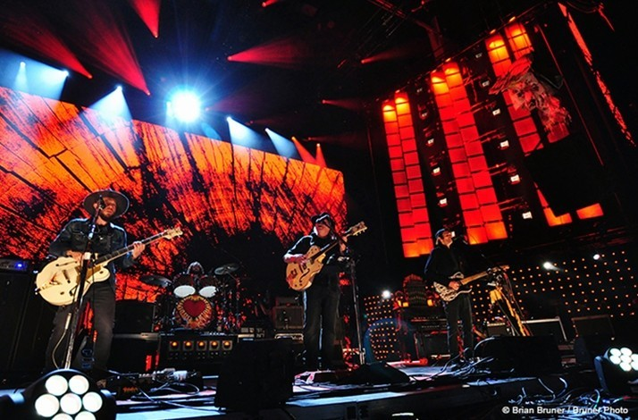 Up Close with Neil Young at Farm Aid | 2 VIP Tickets & Media Photo
