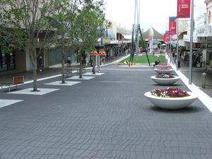 Medium_sp_pedestrian_plaza_queensland_australia