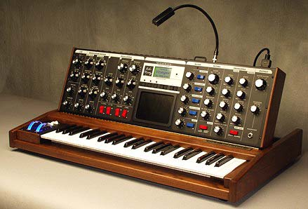 synthesizer - CLC Definition