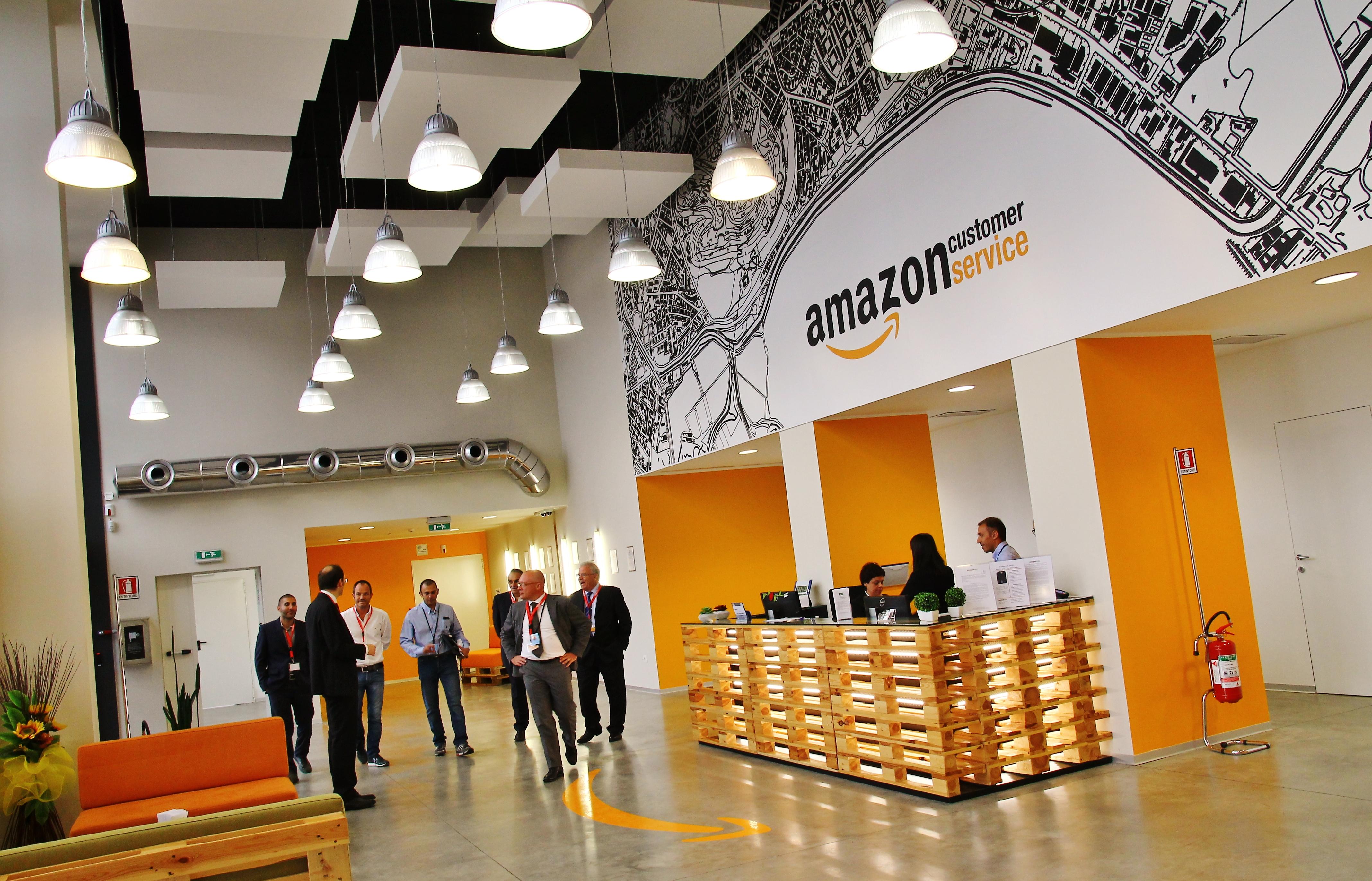 Amazon Apre Il Customer Service A Cagliari Con I Primi 60 Dipendenti