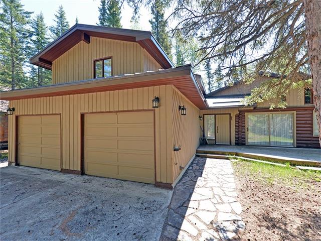 20 YOHO TINDA RD, Bragg Creek, AB, T0L 0K0 Photo 1