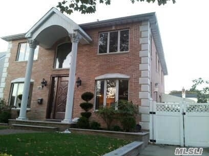 23-35 206 St, Bayside, NY, 11361 Primary Photo