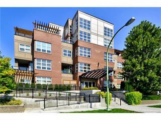 212 700 Martin Avenue, Kelowna, BC, V1Y 6V3 Primary Photo