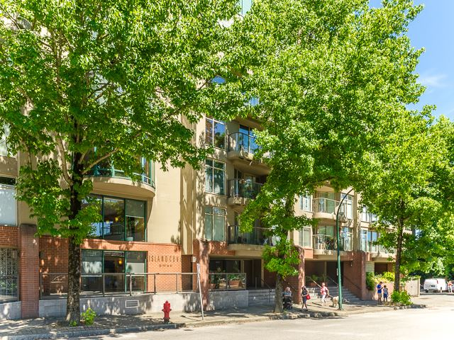 427 1515 W 2ND AVENUE, Vancouver, BC, V6J 5C5 Primary Photo