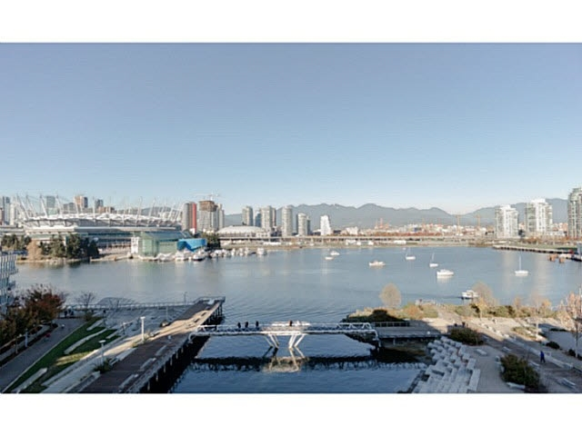 402 128 ATHLETES WAY, Vancouver, BC, V5Y 0B5 Primary Photo