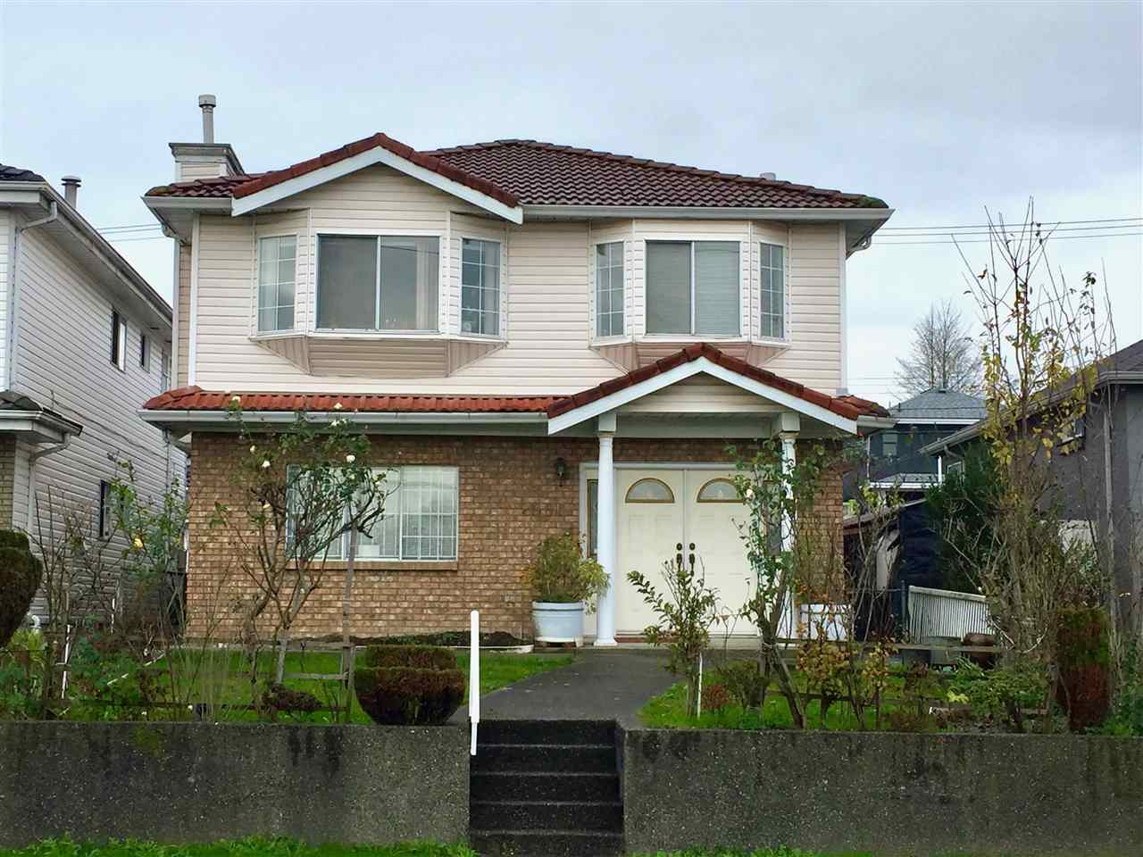 2861 E BROADWAY, Vancouver, BC, V5M 1Y9 Photo 1
