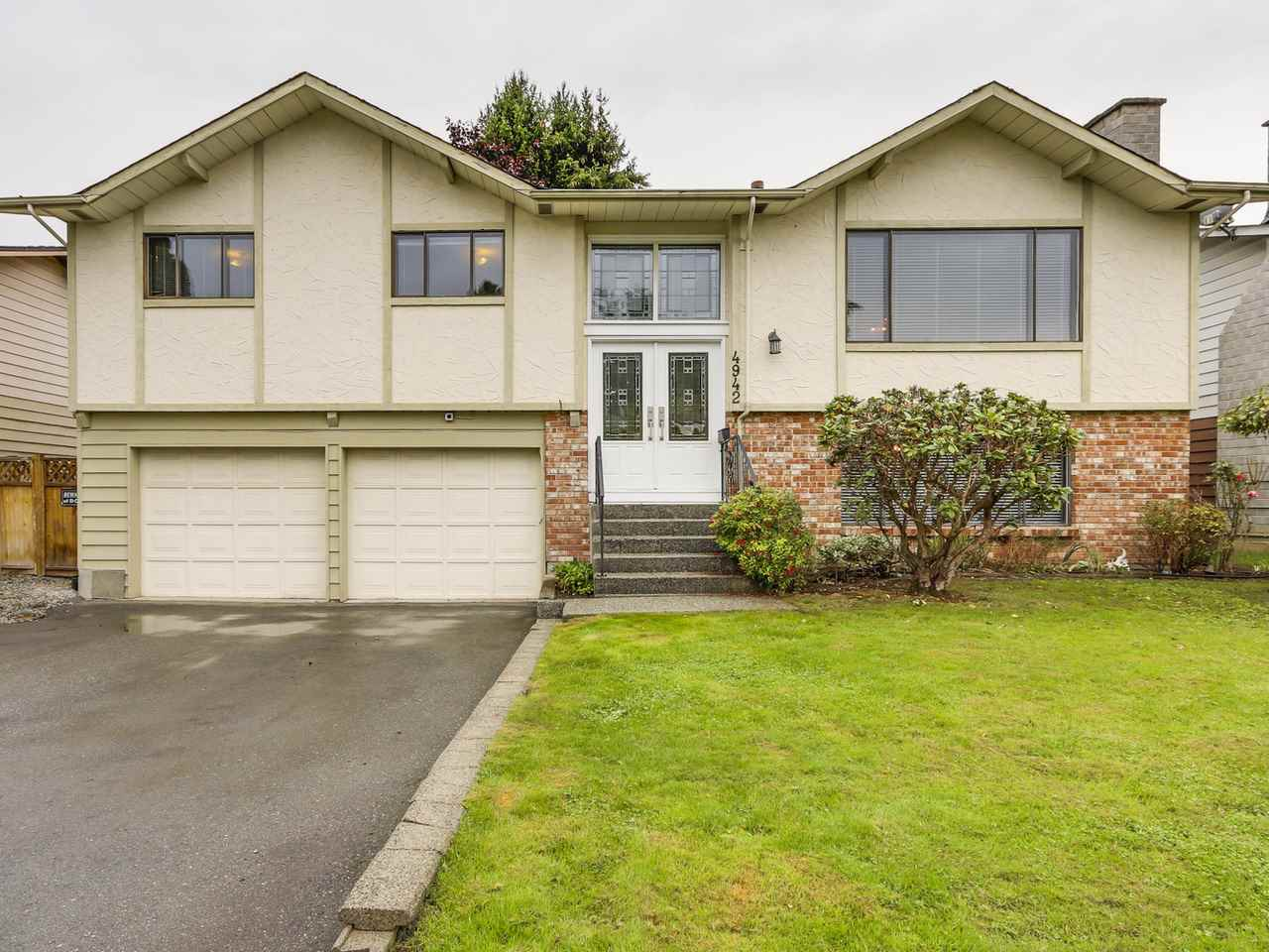 4942 208a Street, Langley, BC - CAN (photo 1)
