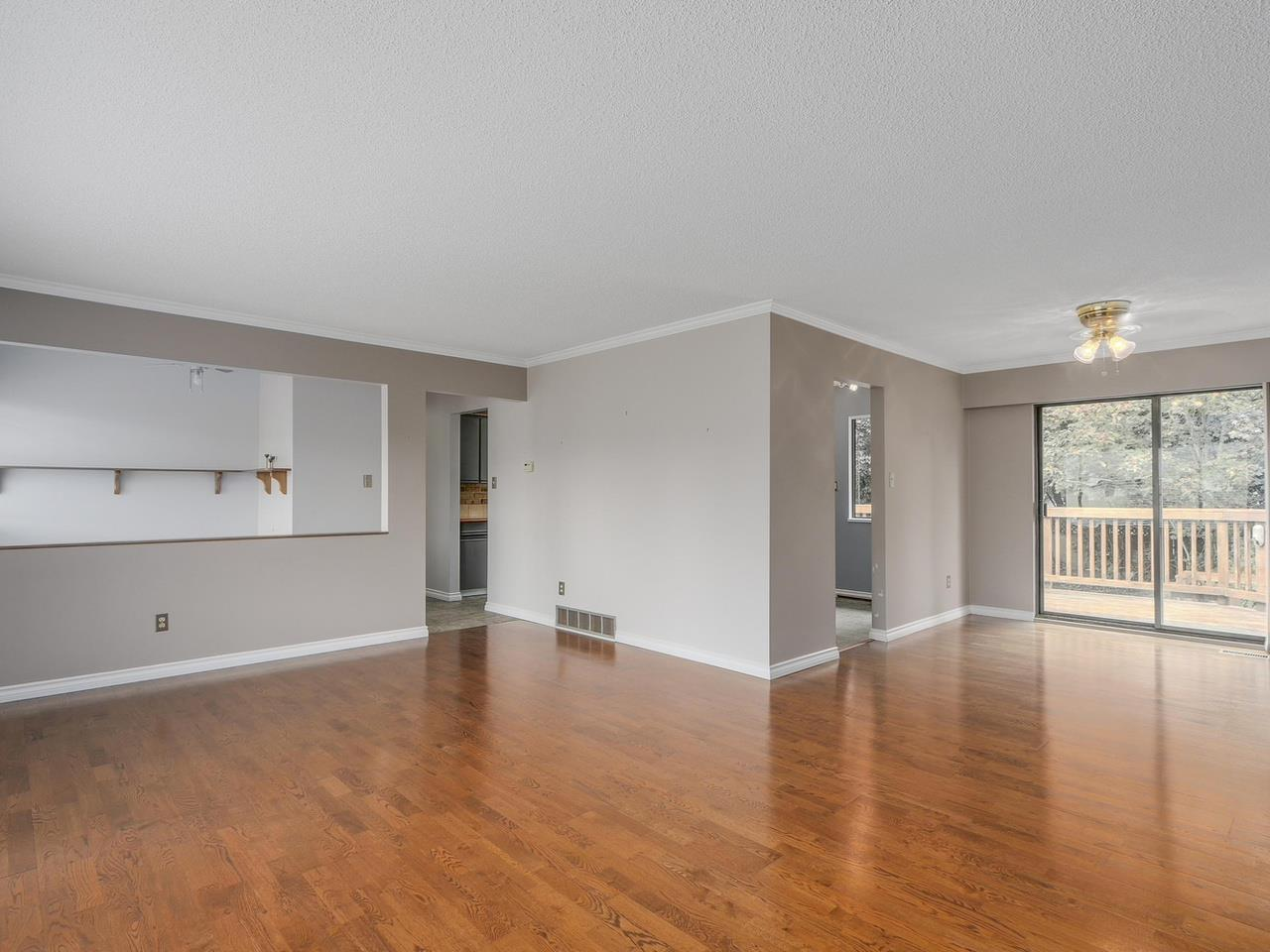 4942 208a Street, Langley, BC - CAN (photo 5)