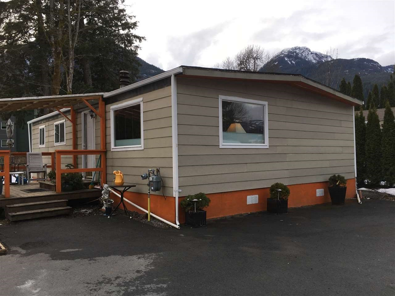 8 39884 GOVERNMENT ROAD, Squamish, BC, V0N 1T0 Primary Photo