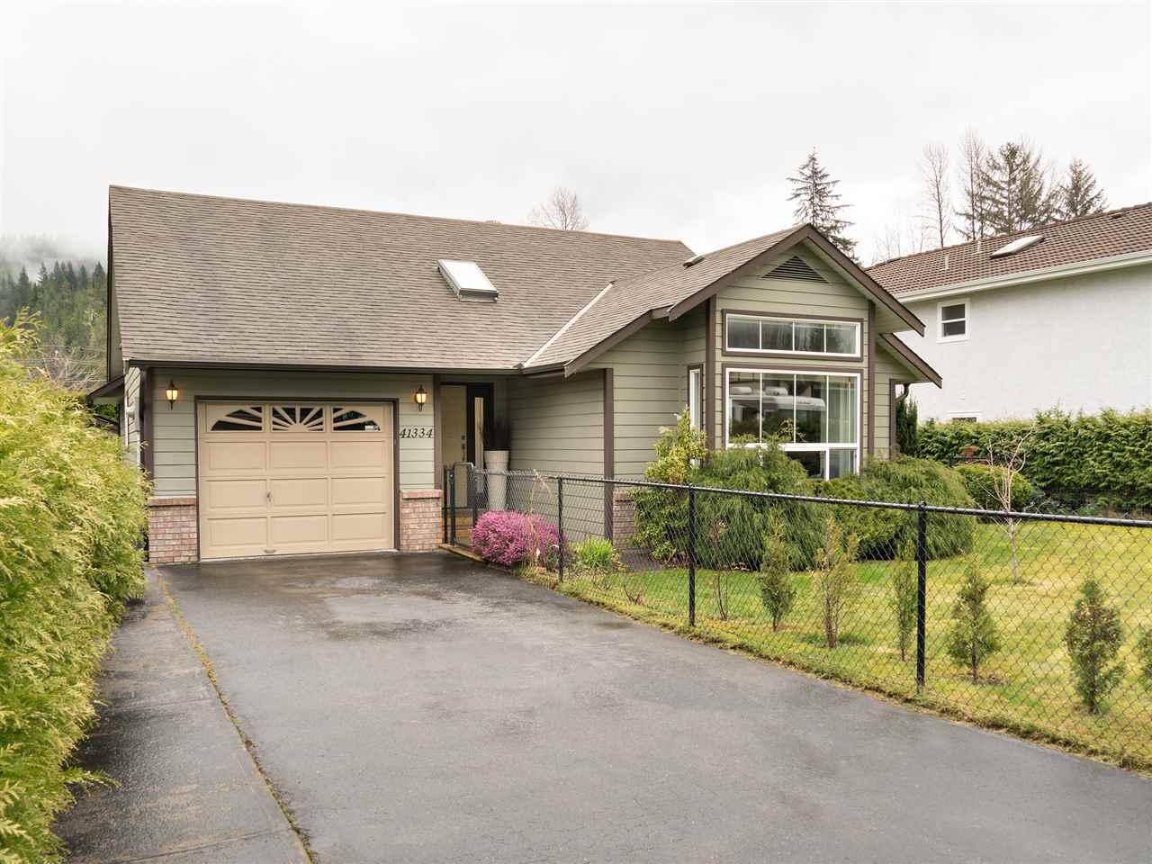 41334 KINGSWOOD ROAD, Squamish, BC, V8B 0B1 Primary Photo