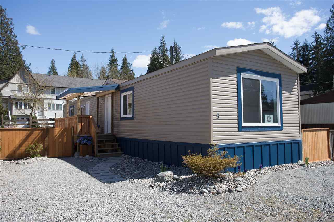 5 40022 GOVERNMENT ROAD, Squamish, BC, V0N 1T0 Photo 1