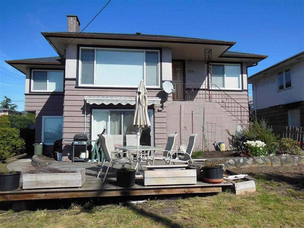 704 E 4TH STREET, North Vancouver, BC, V7L 1K2 Photo 1