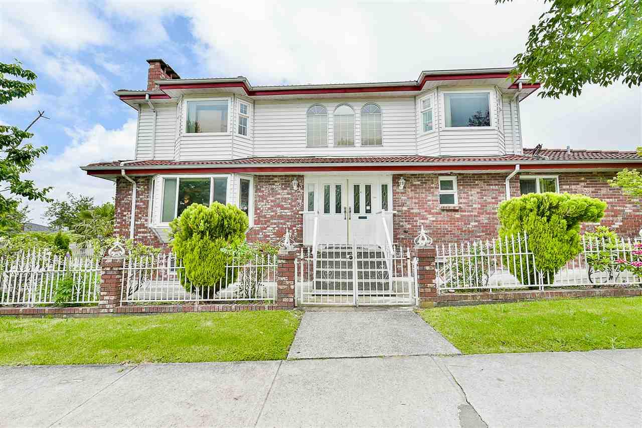 3303 E 27TH AVENUE, Vancouver, BC, V5R 1P8 Photo 1