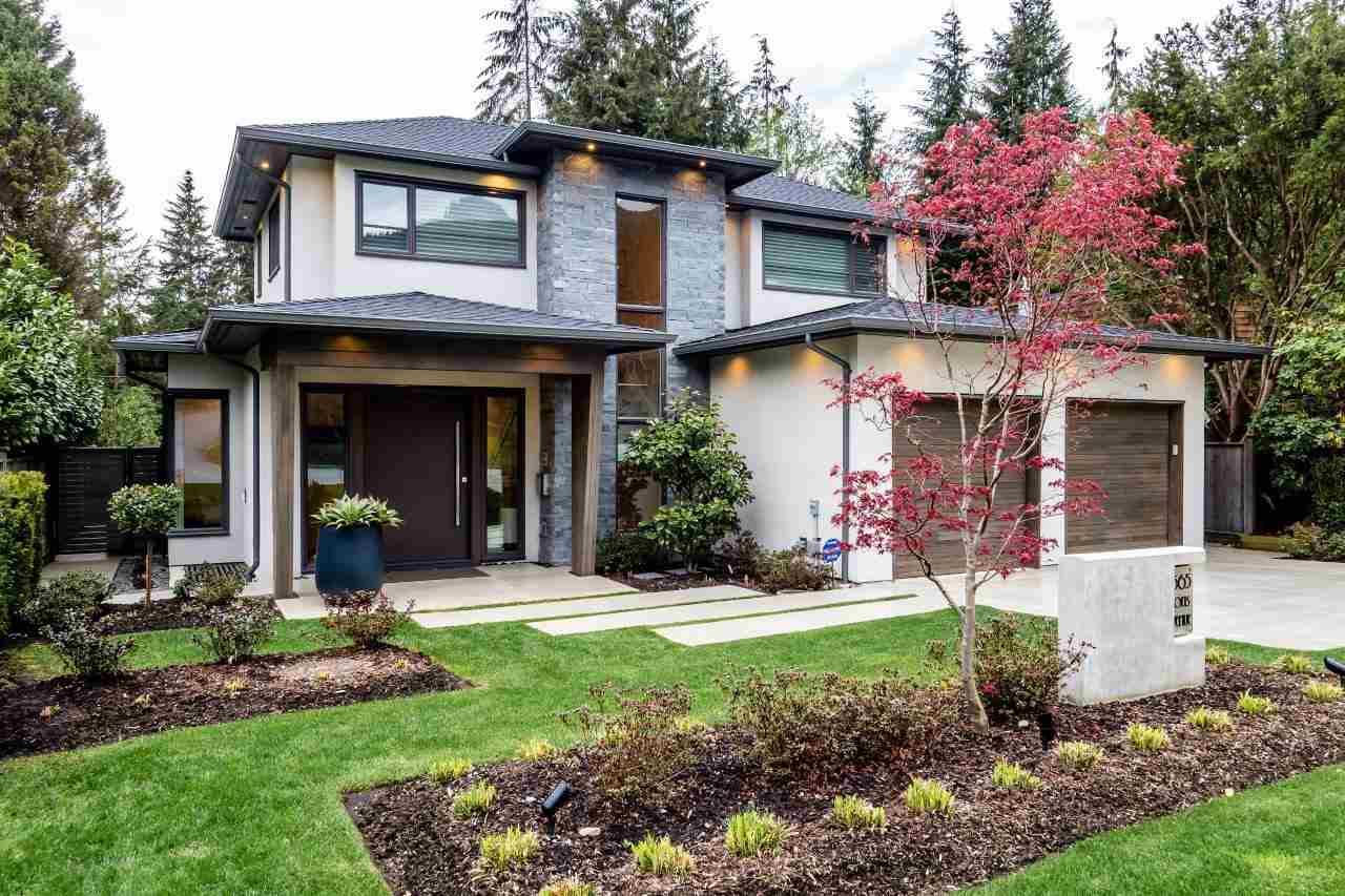 4565 LIONS AVENUE, North Vancouver, BC, V7R 4X1 Photo 1