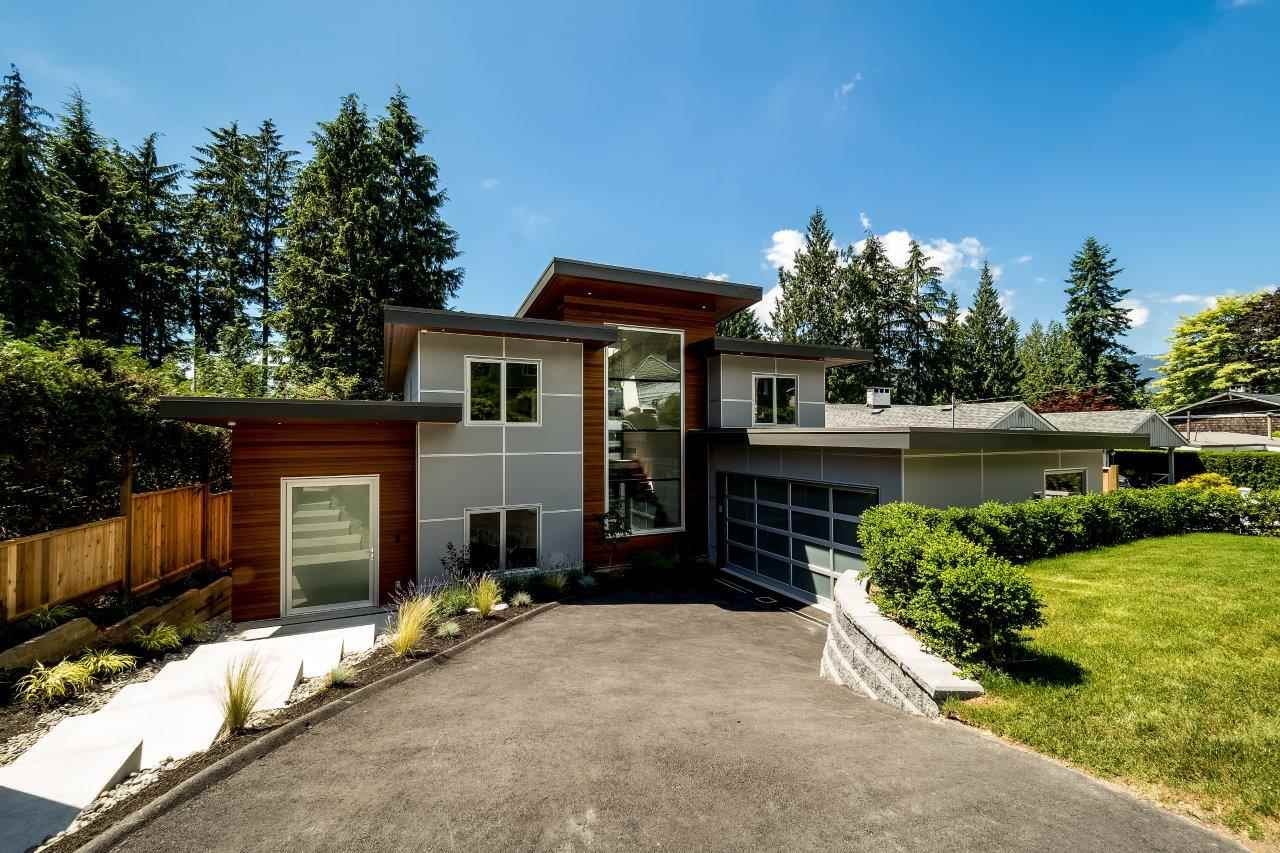 4731 CEDARCREST AVENUE, North Vancouver, BC, V7R 3R4 Photo 1