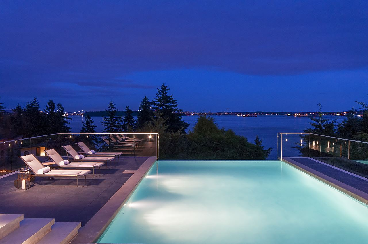 3560 CREERY AVENUE, West Vancouver, BC, V7V 2M1 Photo 1