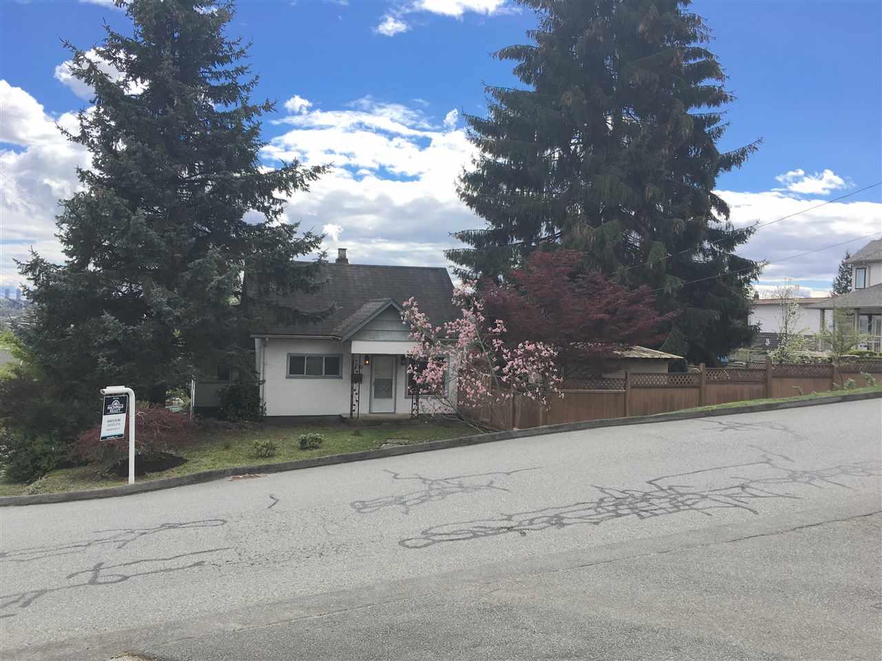 1210 Thomas Avenue, Coquitlam, BC - CAN (photo 2)