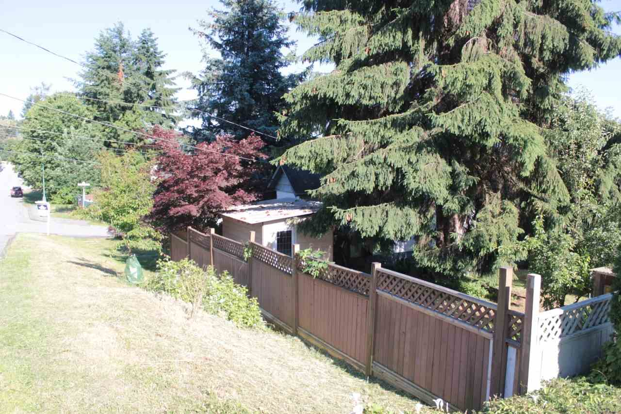 1210 Thomas Avenue, Coquitlam, BC - CAN (photo 3)