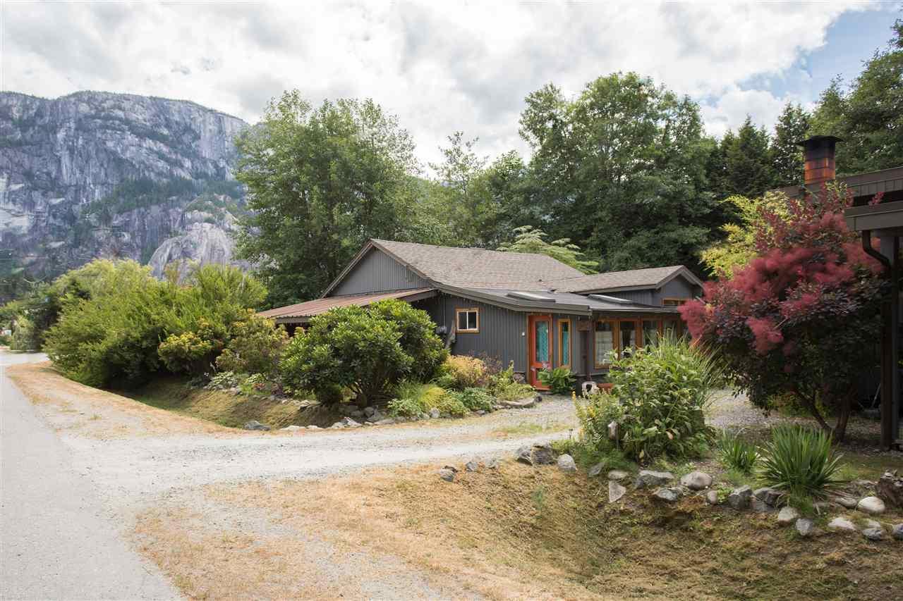 37791 THIRD AVENUE, Squamish, BC, V8B 0B4 Primary Photo
