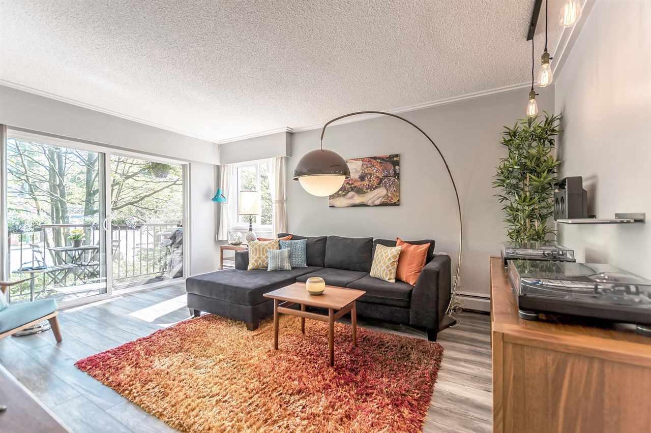 202 241 ST. ANDREWS AVENUE, North Vancouver, BC, V7L 3K8 Photo 1