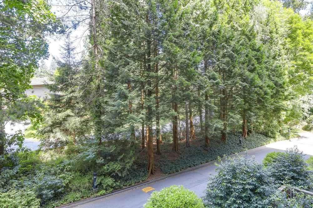 302 2012 FULLERTON AVENUE, North Vancouver, BC, V7P 3E3 Photo 1