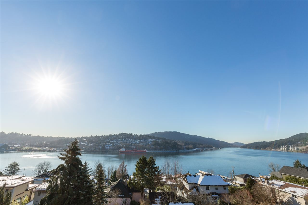 46 AXFORD BAY, Port Moody, BC, V3H 3R2 Photo 1
