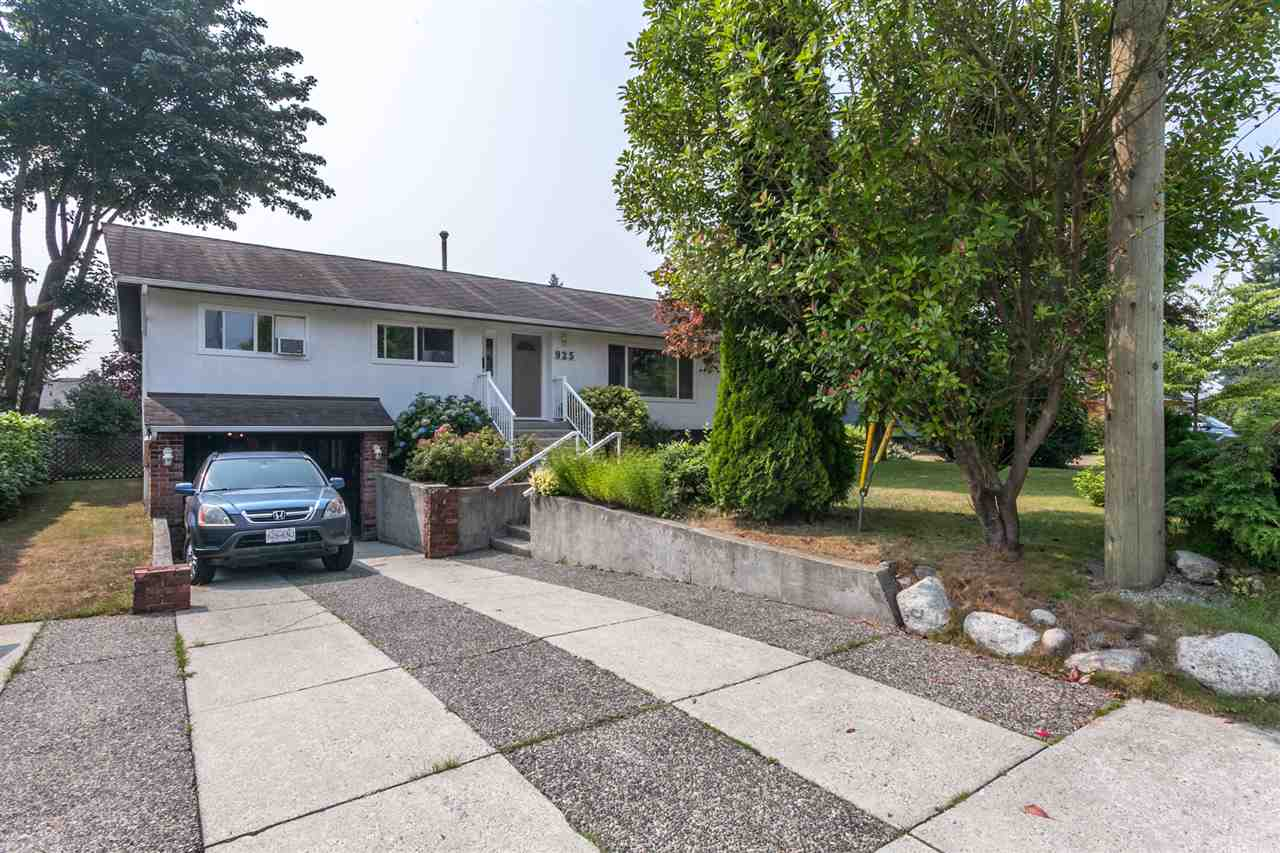 925 CAITHNESS CRESCENT, Port Moody, BC, V3H 1C4 Primary Photo