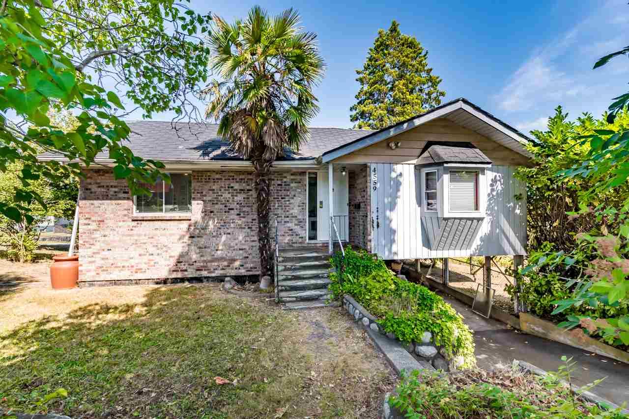 4559 GRASSMERE STREET, Burnaby, BC, V5G 2N8 Photo 1