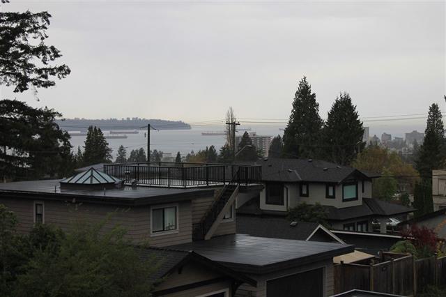 1060 KINGS AVENUE, West Vancouver, BC, V7T 2B9 Photo 1