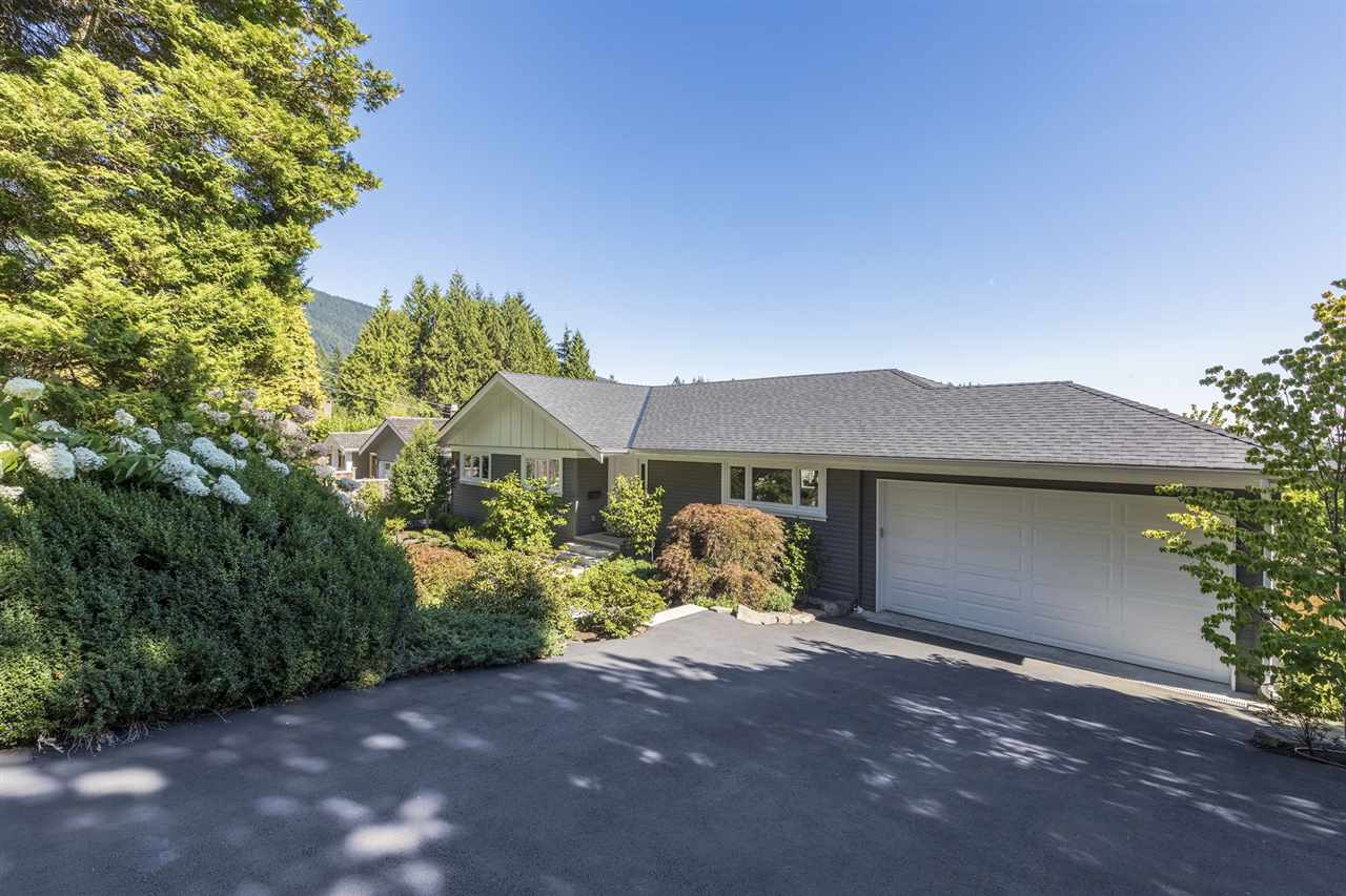92 LAURIE CRESCENT, West Vancouver, BC, V7S 1B7 Photo 1