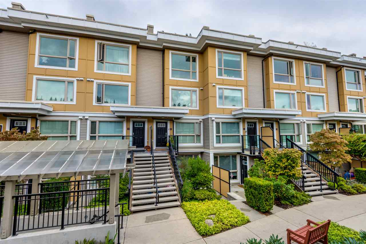 59 728 W 14TH STREET, North Vancouver, BC, V7M 0A8 Photo 1