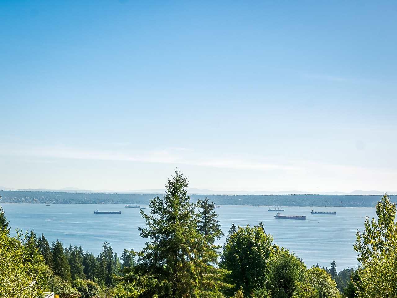 2690 CHELSEA COURT, West Vancouver, BC, V7S 3E9 Photo 1