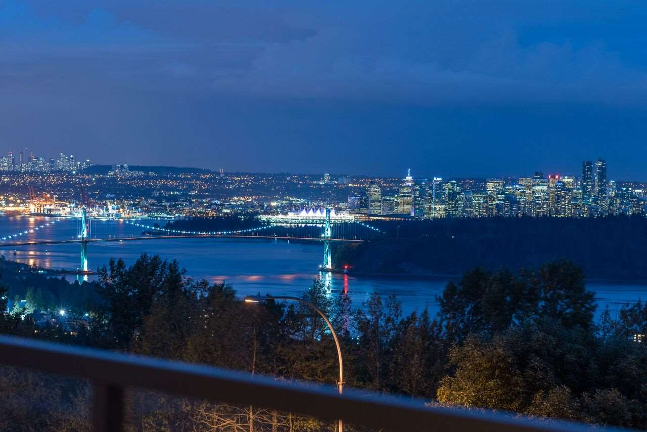 24 2235 FOLKESTONE WAY, West Vancouver, BC, V7S 2Y6 Photo 1