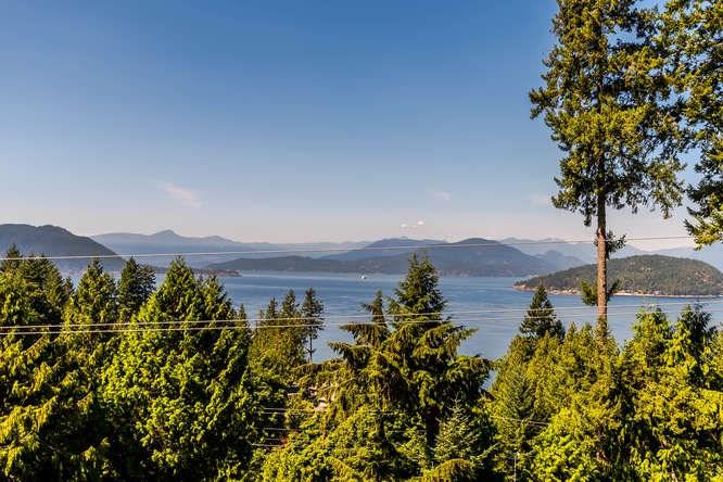 8571 SEASCAPE LANE, West Vancouver, BC, V7W 3J7 Photo 1