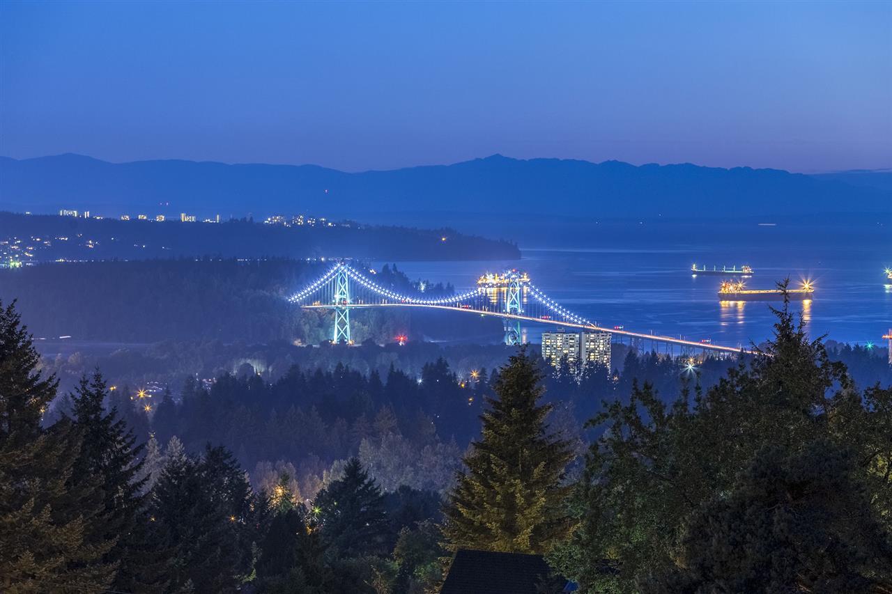3435 ST. GEORGES AVENUE, North Vancouver, BC, V7N 1V7 Photo 1