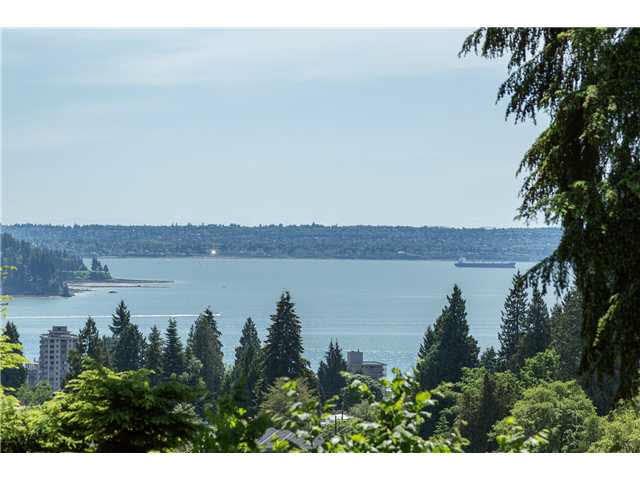 1250 NETLEY PLACE, West Vancouver, BC, V7T 2H2 Photo 1