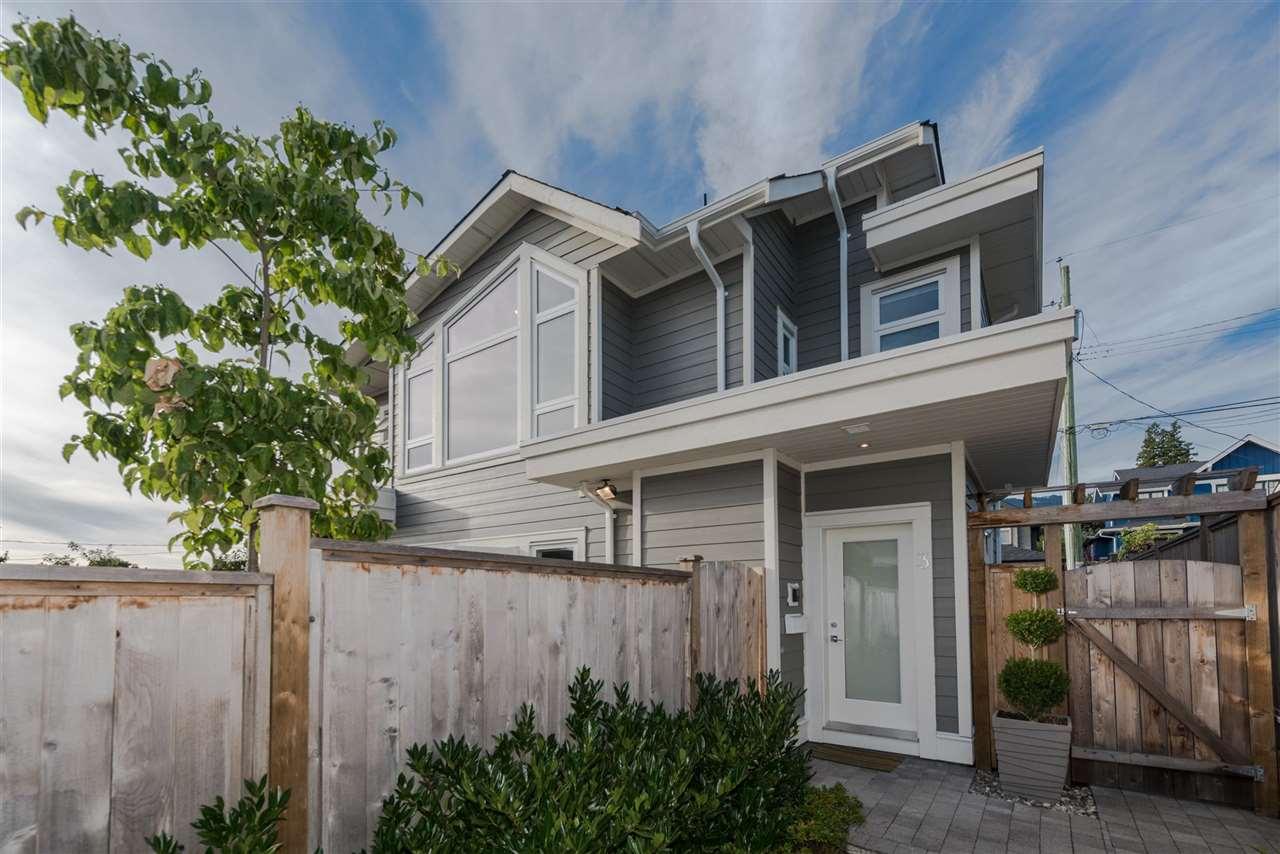 3 330 W 14TH STREET, North Vancouver, BC, V7M 1P6 Photo 1