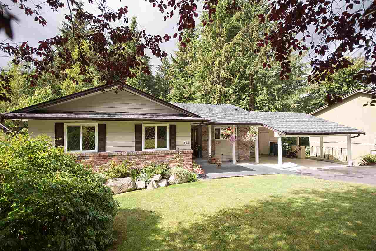 675 ALPINE COURT, North Vancouver, BC, V7R 2L7 Photo 1