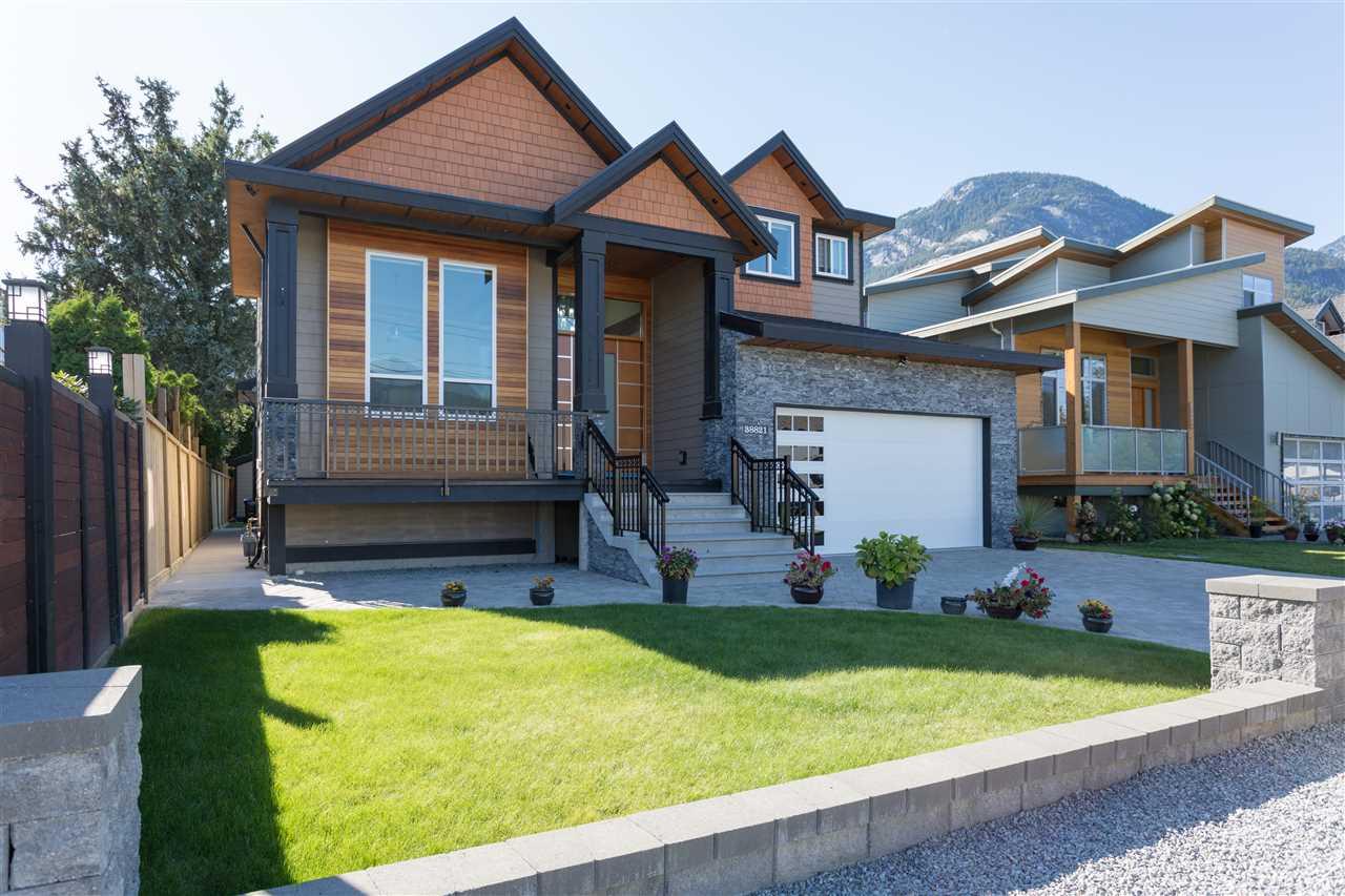 38821 GARIBALDI AVENUE, Squamish, BC, V8B 0P8 Primary Photo