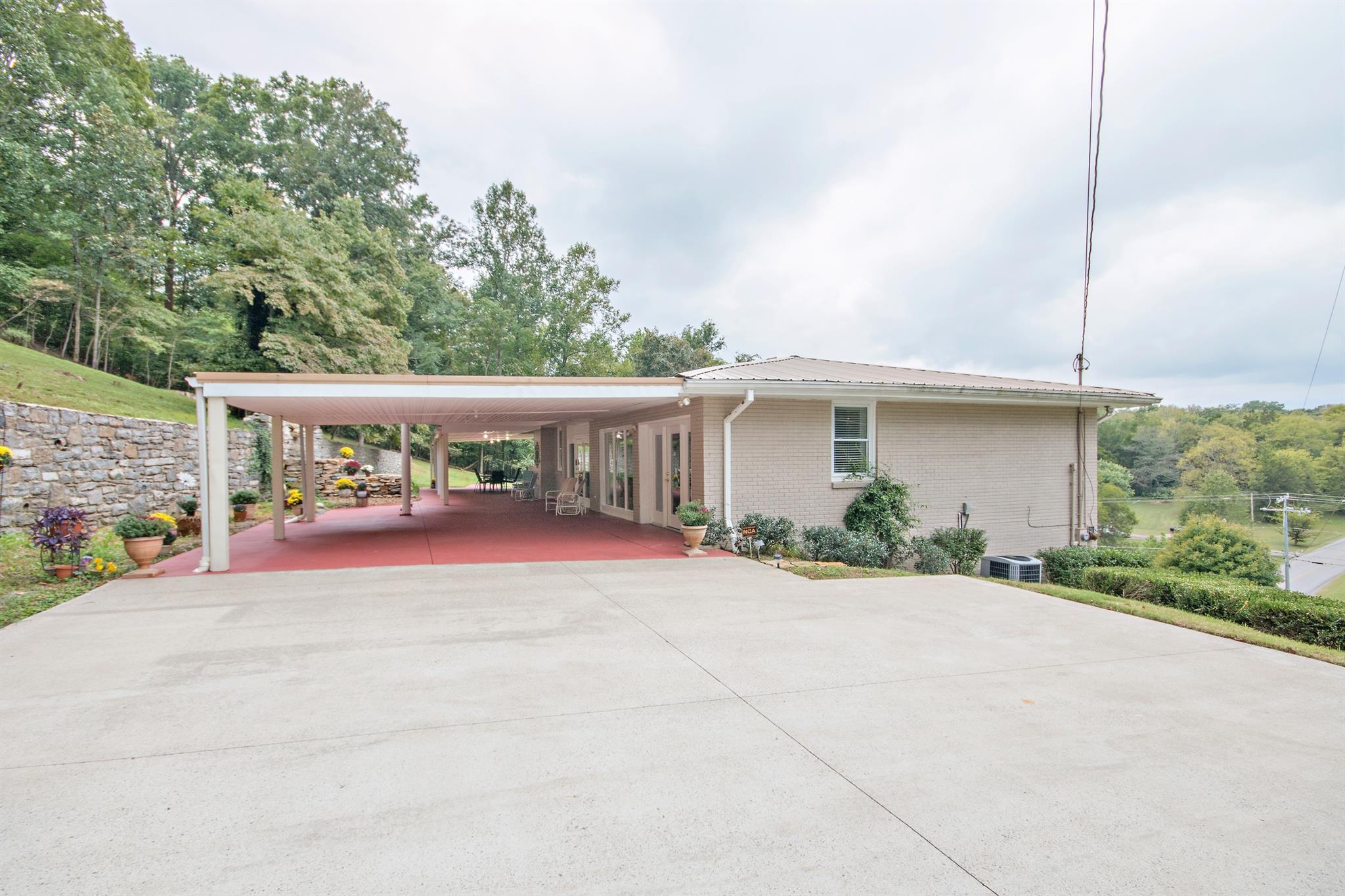 1800 Centerpoint Rd, Hendersonville, TN, 37075 Primary Photo