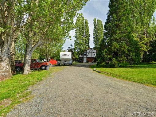 6669 West Saanich Rd, Central Saanich, BC - CAN (photo 2)