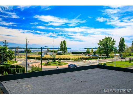 2376 Ocean Ave, Sidney, BC - CAN (photo 4)