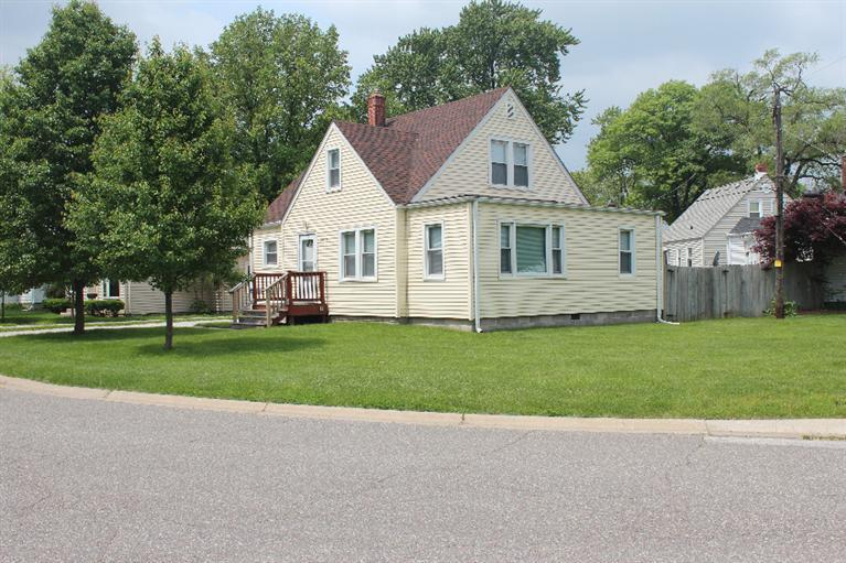 8938 E Delaware Pkwy, Munster, IN, 46321 Primary Photo