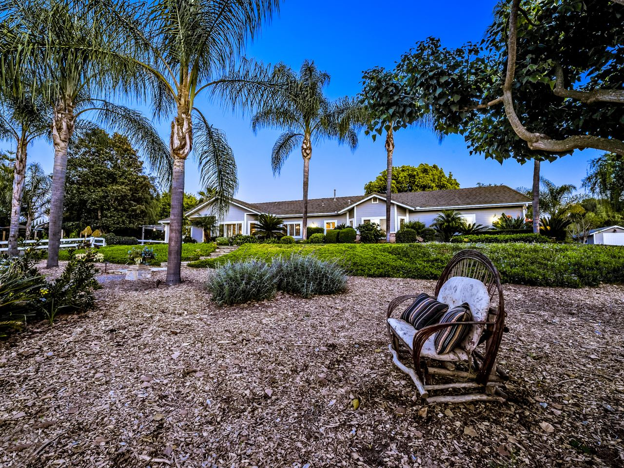 2399 Via Del Robles, Fallbrook, CA, 92028 Primary Photo