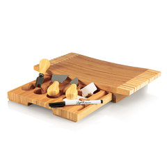 Concavo Cutting Board with utensils