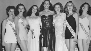 Medium bess   photo   with other contestants